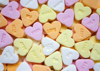 valentine candy hearts to express love