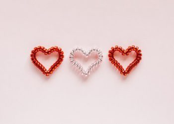 3 hearts 2 the same 1 different to illustrate appreciating differences